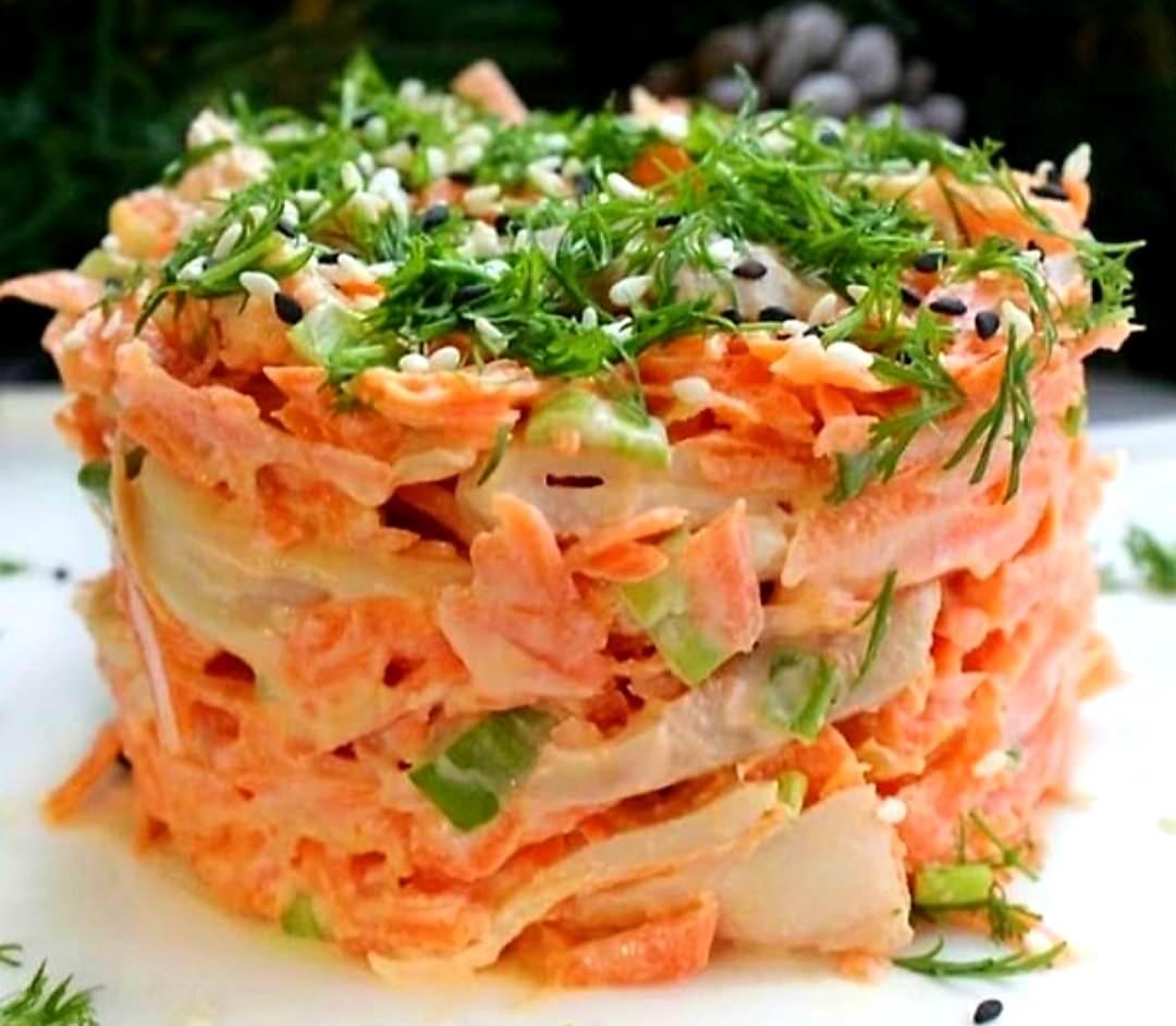 Шалено смачний салат з кальмарами.