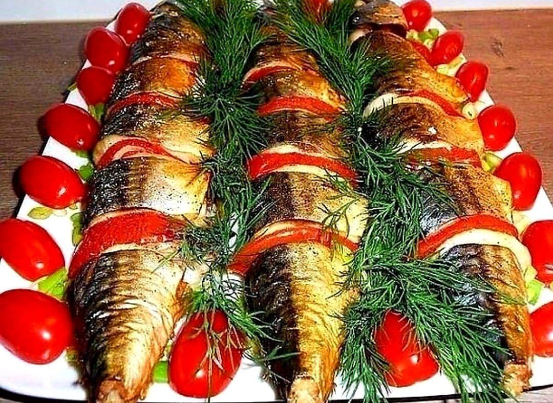 Запечена скумбрія з помідорами. Окраса мого, будь-якого, святкового столу.