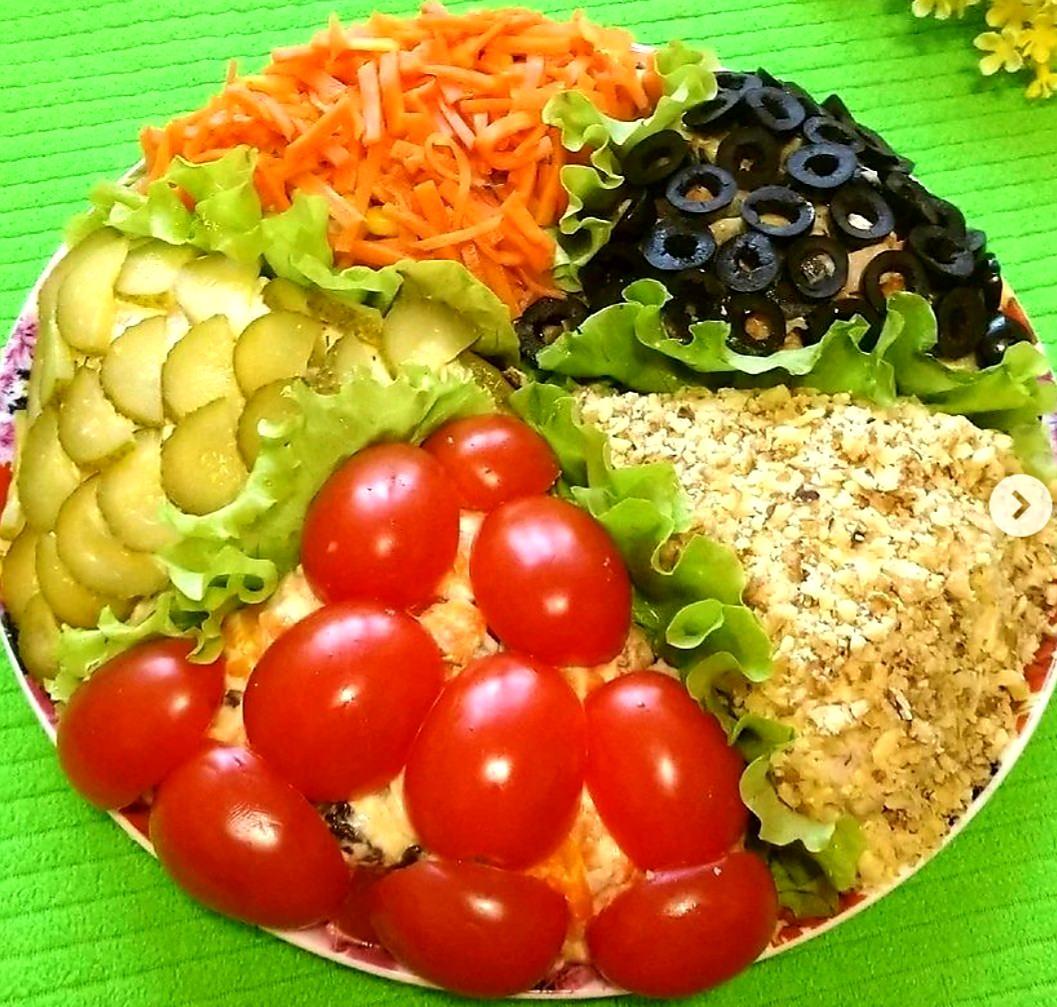 Торт-салат з 5-ти салатів. Такий збірник із салатиків стане окрасою будь-якого святкового столу, гостей здивуєте ТОЧНО!