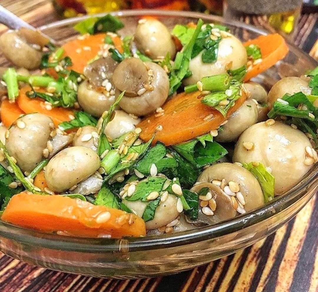 Як смачно замаринувати гриби (печериці)? Один із кращих та смачних способів маринування грибів.
