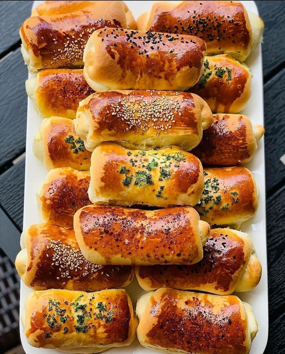Неймовірно смачні та повітряні булочки з сиром Фета і петрушкою.