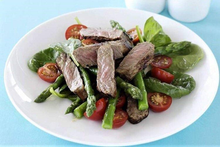 20 салатів з яловичиною, які сподобаються всій родині