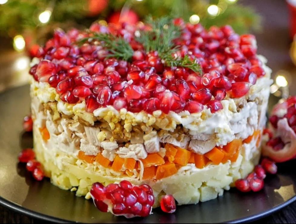 ТОП -10 смачних рецептів салатів до святкового столу
