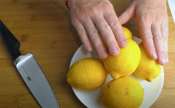 5 літрів лимонаду за 5 хвилин: готуємо без варіння