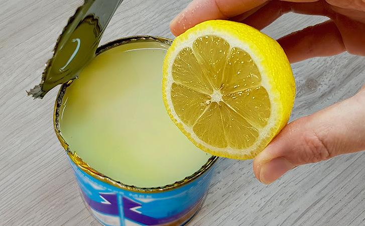 Додаємо в згущене молоко трохи лимонного соку: літній десерт смачніше морозива