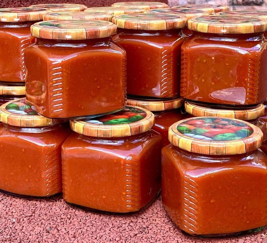 Домашній кетчуп з базиліком та часником: смачний і ароматний рецепт на зиму
