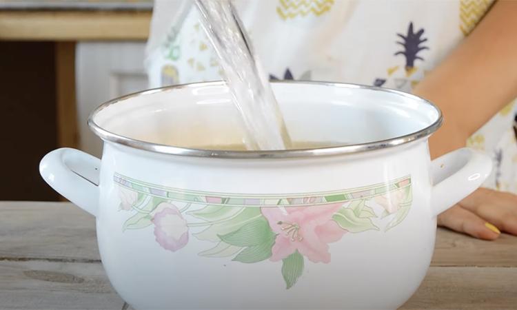Маринуємо помідори з медом. Одна столова ложка на банку повністю перетворює звичний смак