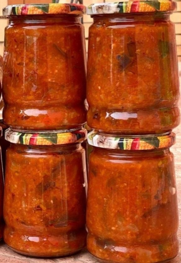Гострі баклажани в аджиці: наш улюблений домашній рецепт на зиму